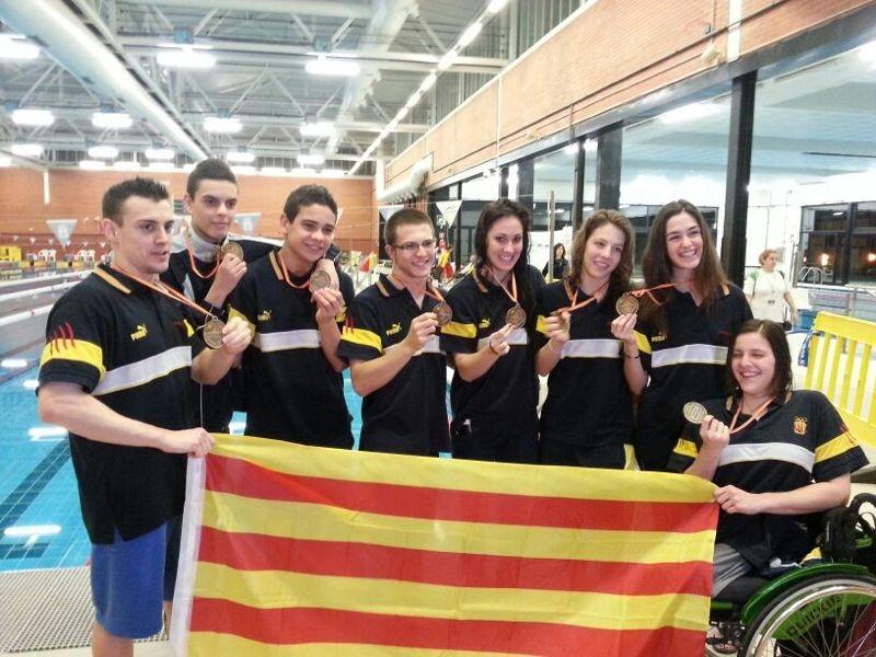 Exit de la seleccio catalana de natacio adaptada i de la for Piscinas paco yoldi